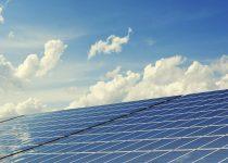 Hernieuwbare energiebron met zonnepanelen