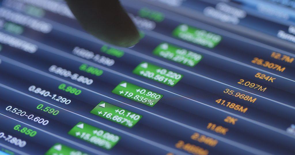 stock stock graph on display screen GYCBL4F 1 1