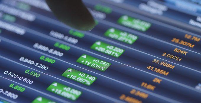 stock stock graph on display screen GYCBL4F 1
