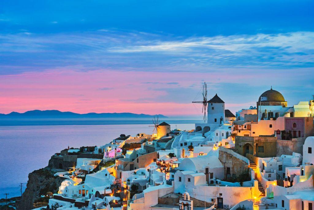 famous greek tourist destination oia greece P8F55V5 1